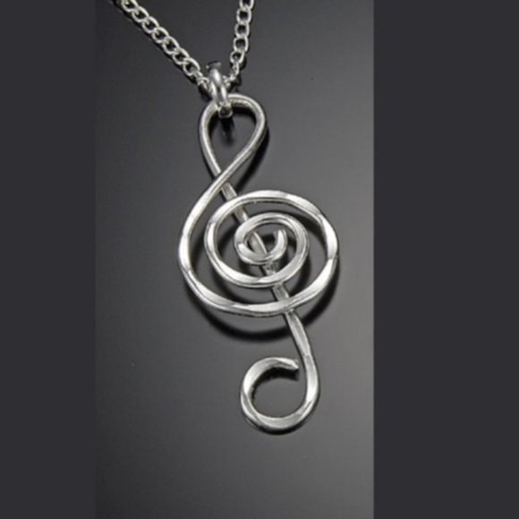 Anju Jewelry Jewelry - Treble Clef Hammered Silver Necklace